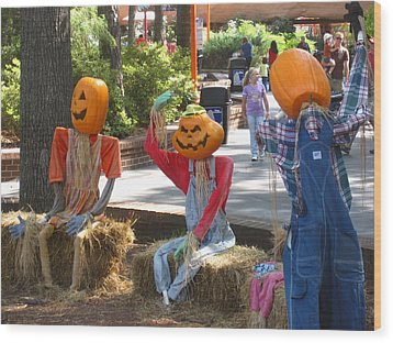 Kings Dominion - Halloween - 12124 Wood Print by DC Photographer