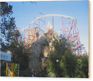 Kings Dominion - Volcano - 01132 Wood Print by DC Photographer