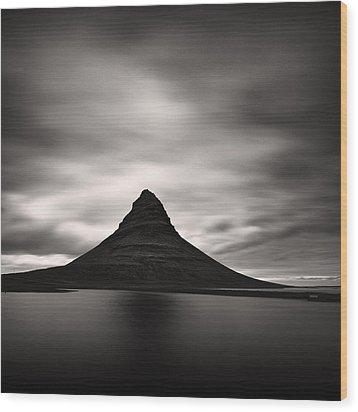 Wood Print featuring the photograph Kirkjufell I by Frodi Brinks