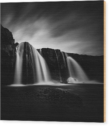 Wood Print featuring the photograph Kirkjufellsfoss by Frodi Brinks