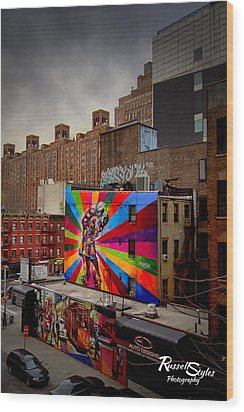 Kiss Me On The High Line Wood Print by Russell Styles