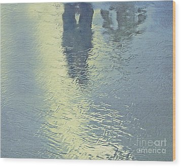 Kissing Couple With Palm Reflection Wood Print by Cindy Lee Longhini
