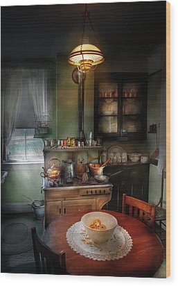 Kitchen - 1908 Kitchen Wood Print by Mike Savad