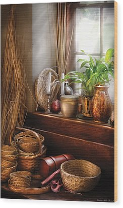 Kitchen - Try To Keep Busy  Wood Print by Mike Savad