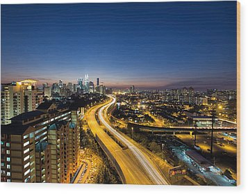 Kl At Blue Hour Wood Print by David Gn