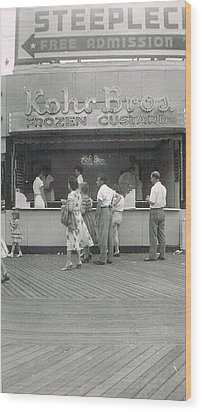 Kohr Bros Frozen Custard Atlantic City Nj Wood Print by Joann Renner