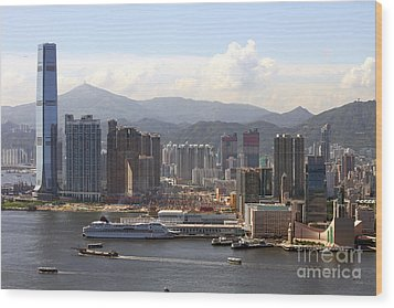 Kowloon In Hong Kong Wood Print by Lars Ruecker