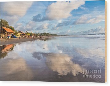 Kuta Beach In Seminyak Wood Print