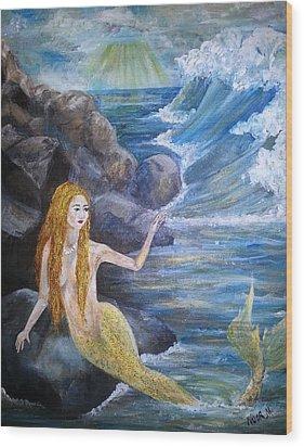 La Sarina Del Mar Wood Print by Noor Moghrabi