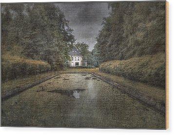 La Villa Abandonnee Wood Print