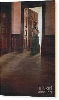 Lady In Green Gown In Doorway Wood Print by Jill Battaglia