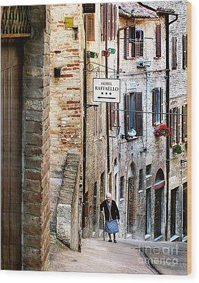 Lady In Urbino Wood Print by Jennie Breeze
