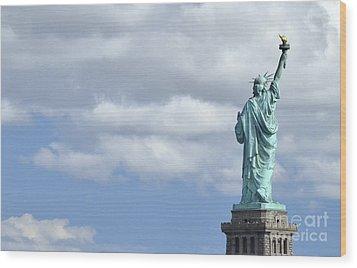 Lady Liberty   1 Wood Print by Allen Beatty