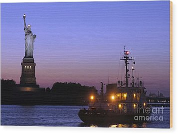 Wood Print featuring the photograph Lady Liberty At Dusk by Lilliana Mendez