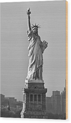 Lady Liberty Black And White Wood Print