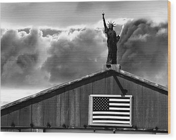 Lady Liberty Wood Print by Ron White