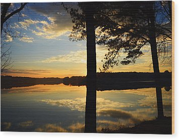 Lake At Sunrise Wood Print