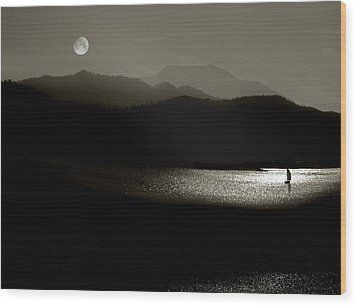 Lake Chatuge Moon Sail Wood Print by William Schmid
