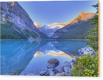 Wood Print featuring the photograph Lake Louise by Wanda Krack