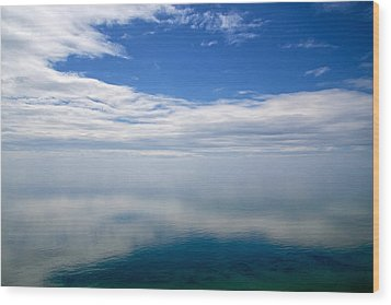 Lake Michigan's Lost Horizon Wood Print