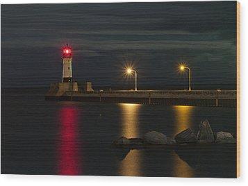 Lake Of Lights Wood Print by Michael Murphy