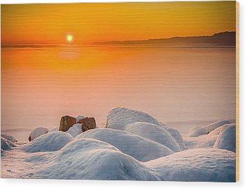 Lake Pepin Winter Sunrise Wood Print by Mark Goodman