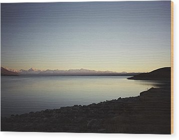 Wood Print featuring the photograph Lake Pukaki First Light by Peter Mooyman