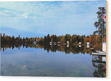 Lake Reflections Wood Print by Larry Trupp