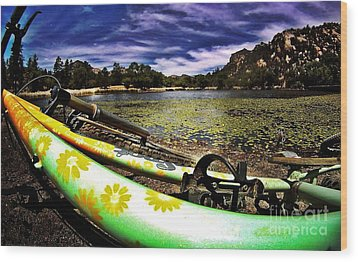 Lakeside Cruzzz Wood Print by Scott Allison