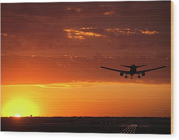 Landing Into The Sunset Wood Print