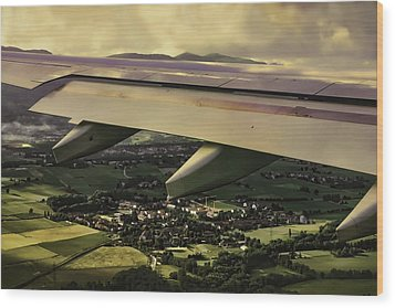 Wood Print featuring the painting Landing by Muhie Kanawati