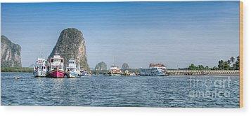 Lanta Island Dock Wood Print by Adrian Evans