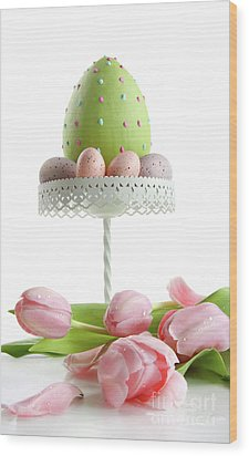 Large Easter Egg With Pink Tulips  Wood Print by Sandra Cunningham