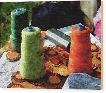 Large Spools Of Thread Wood Print by Susan Savad
