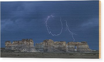 Lariat Lightning At Monument Rocks Wood Print by Rob Graham