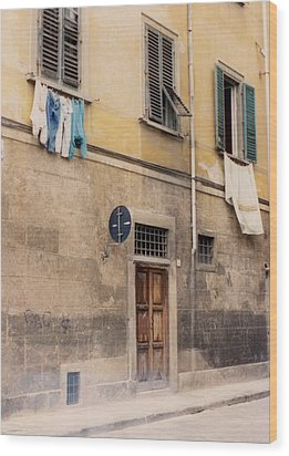 Laundry Day In Verona Wood Print by Suzanne Gaff