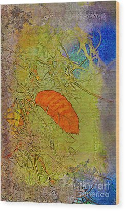 Leaf In The Moss Wood Print by Deborah Benoit