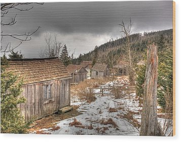 Leconte Lodge Wood Print by Doug McPherson