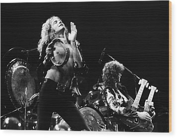 Led Zeppelin Live 1975 Wood Print by Chris Walter