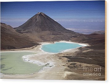 Licancabur Volcano And Laguna Verde Wood Print by James Brunker