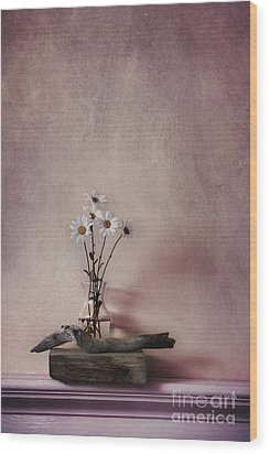 Life Gives You Daisies Wood Print by Priska Wettstein
