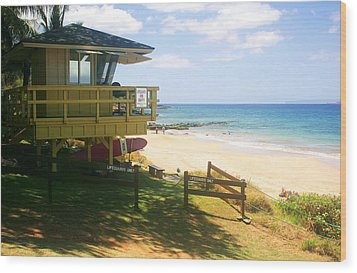 Lifeguard Hut On The Beach Wood Print