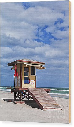 Lifeguard Station In Hollywood Florida Wood Print