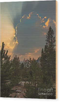 Light From Heaven Wood Print by Robert Bales