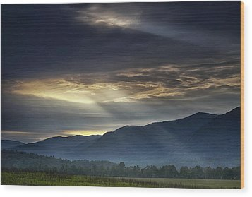 Light From The Heavens Wood Print by Andrew Soundarajan