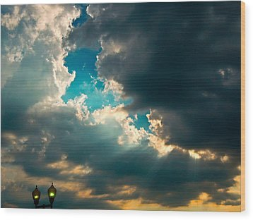 Light In The Storm Wood Print by Pete Trenholm