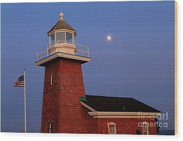 Wood Print featuring the photograph Lighthouse 7 by Theresa Ramos-DuVon