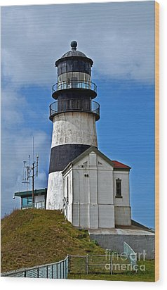 Lighthouse At Cape Disappointment Washington Wood Print by Valerie Garner