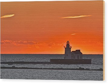 Lighthouse Sunset Wood Print by Frozen in Time Fine Art Photography