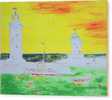 Lighthouses True Trinity Wood Print by Richard W Linford